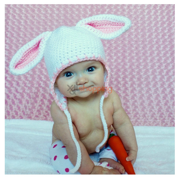 Hand-knitted hat rabbit modeling hat